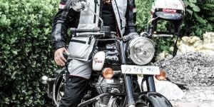 THE MAN. Buddhi Singh Chand. Gründer & Inhaber von Motorcycle Expeditions. Wer eine perfekt organisierte Indientour erleben möchte.